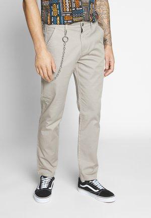 ONSLUDVIG WORK CHAIN - Pantalones chinos - beige