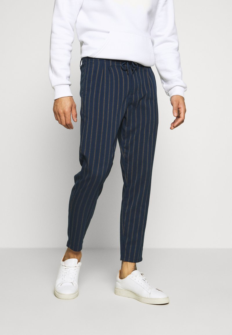 Only & Sons - ONSLEO STRIPE - Pantalones - dress blues