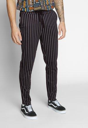 ONSDESMOND - Pantalones deportivos - dark navy/white pinstripe