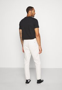 Only & Sons - ONSLOU PANT  - Trousers - cloud dancer - 2