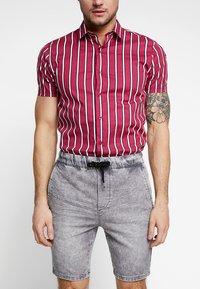 Only & Sons - ONSROD - Shorts - grey denim - 4