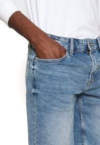 Only & Sons - ONSPLY RAW HEM ZIP  - Shorts vaqueros - blue denim - 4