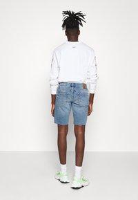 Only & Sons - ONSPLY RAW HEM ZIP  - Shorts vaqueros - blue denim - 2