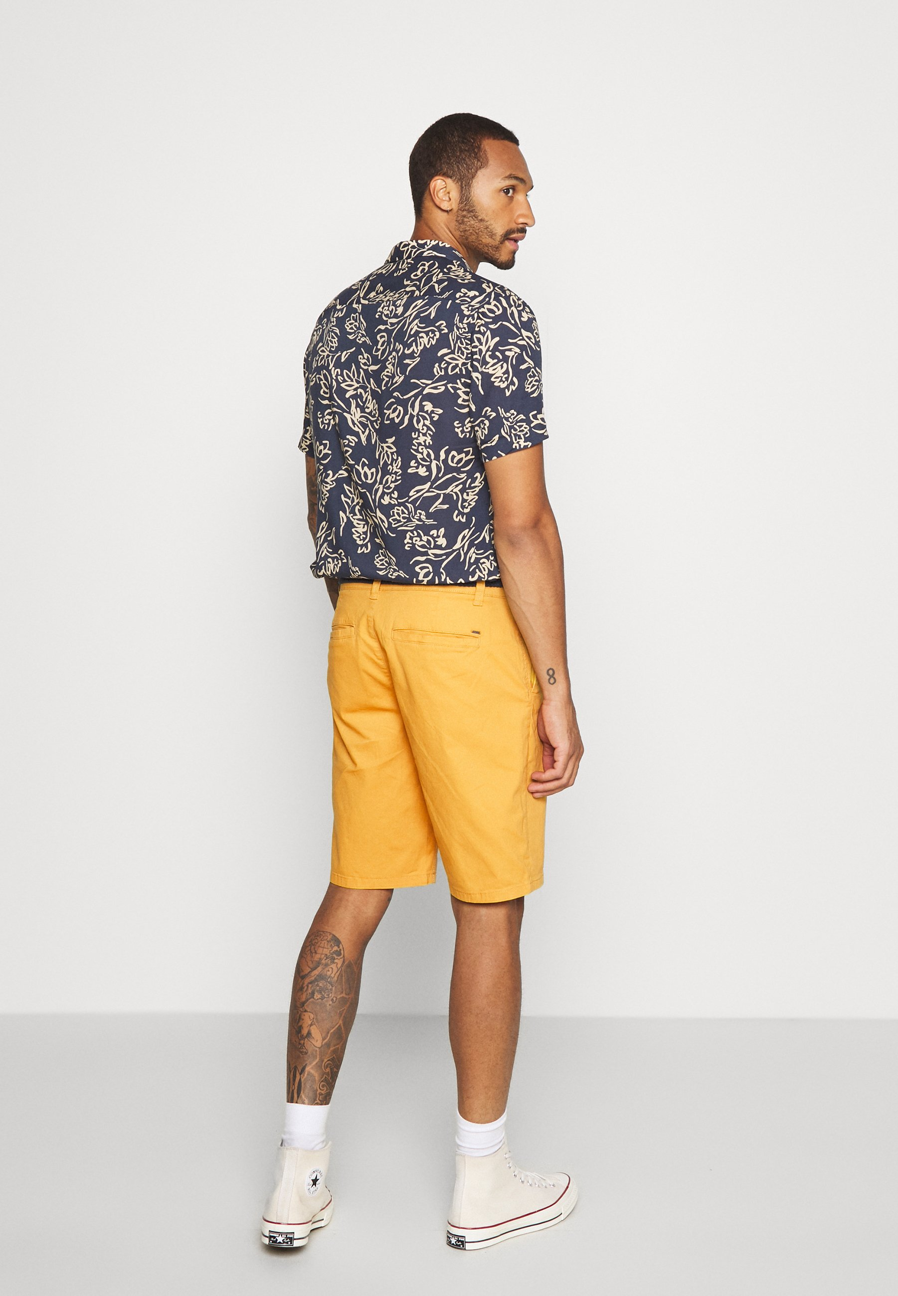ONSWILL CHINO Shorts golden spice