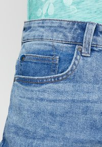Only & Sons - ONAVI BEAM CROP - Jeans relaxed fit - blue denim - 3