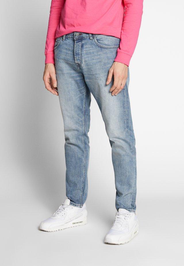 ONSAVI TAPERED BLUE - Jeans Tapered Fit - blue denim