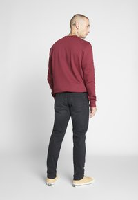 Only & Sons - ONSAVI TAP - Jeans Tapered Fit - black denim - 2
