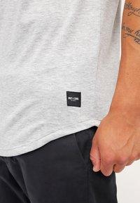 Only & Sons - ONSMATT LONGY TEE - T-shirts basic - light grey melange - 4