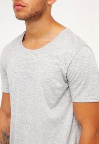 Only & Sons - ONSMATT LONGY TEE - T-shirts basic - light grey melange - 3