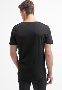 Only & Sons - ONSMATT LONGY TEE - T-shirt - bas - black - 2