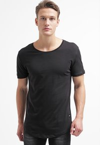 Only & Sons - ONSMATT LONGY TEE - T-shirt - bas - black - 0