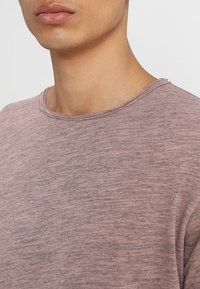 Only & Sons - ONSALBERT LIFE NEW TEE - T-Shirt basic - misty rose - 4