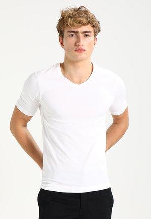 ONSBASIC SLIM V-NECK - T-shirts - white