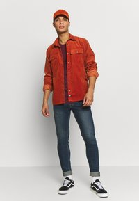 Only & Sons - ONSMATTY LONGY TEE - Triko s potiskem - dark red - 1