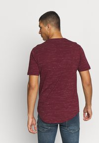 Only & Sons - ONSMATTY LONGY TEE - Triko s potiskem - dark red - 2