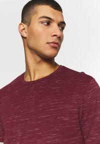 Only & Sons - ONSMATTY LONGY TEE - Triko s potiskem - dark red - 3