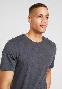 Only & Sons - ONSMATT LONGY 7 PACK - T-shirt basic - white/cabernet melange/forest night melange - 3