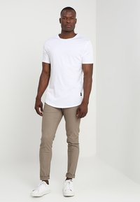 Only & Sons - ONSMATT LONGY 7 PACK - T-shirt basic - white/black/light grey melange - 0
