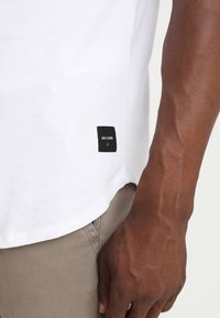 Only & Sons - ONSMATT LONGY 7 PACK - T-shirt basic - white/black/light grey melange - 6