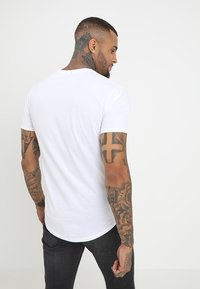 Only & Sons - ONSMATT LONGY 2 PACK - Jednoduché triko - black/white - 2