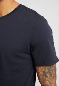 Only & Sons - ONSMATT LONGY 2 PACK - T-shirt basic - dark navy - 5