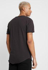 Only & Sons - ONSMATT  - Print T-shirt - phantom - 2
