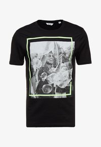 Only & Sons - ONSPETAL FITTED TEE CAMP - T-Shirt print - black - 4