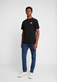 Only & Sons - ONSVP TEE - T-shirts med print - black - 1