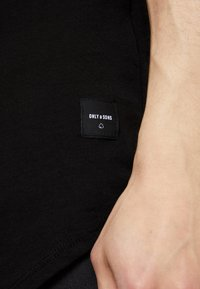 Only & Sons - ONSMATT LONGY TEE 3 PACK - T-shirts - black - 4