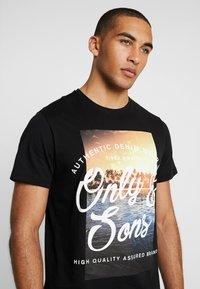 Only & Sons - ONSBF REG SONS TEE - T-shirt print - black - 4