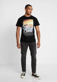 Only & Sons - ONSBF REG SONS TEE - T-shirt print - black - 1