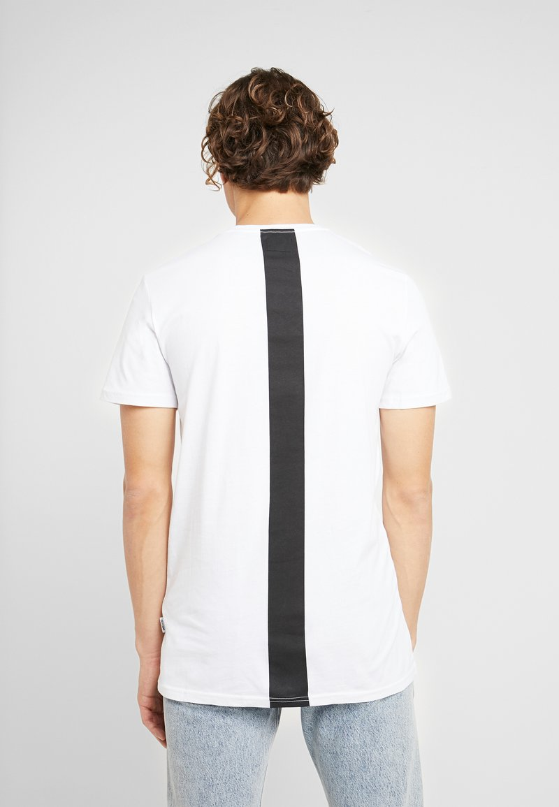 Only & Sons - ONSSCUBS LONGLINE TEE - T-shirt con stampa - white