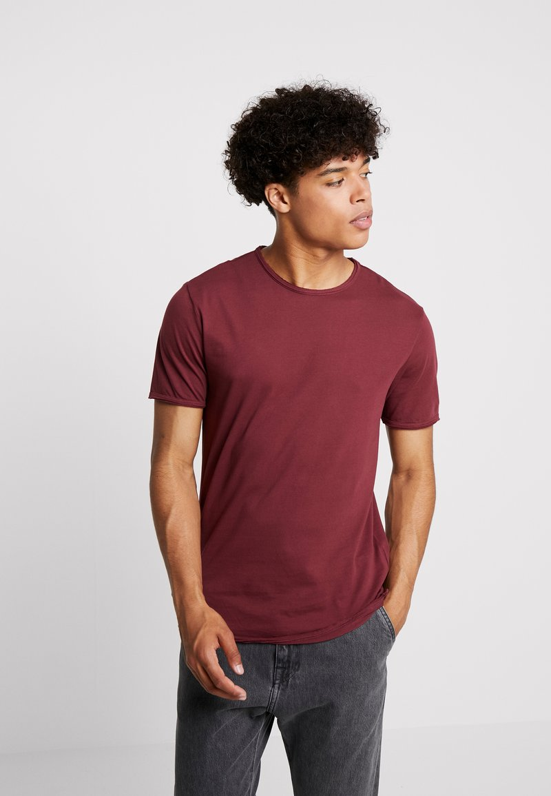 Only & Sons - ONSALBERT WASHED O-NECK - Jednoduché triko - zinfandel