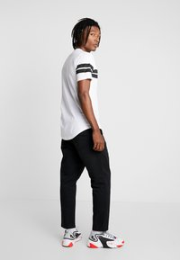 Only & Sons - ONSBIKE LONGY TEE - T-Shirt print - white - 2