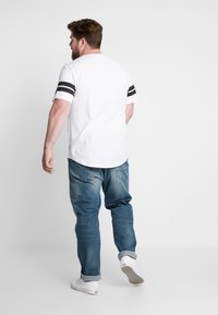 Only & Sons - ONSBIKE LONGY TEE  - T-shirts med print - white - 2