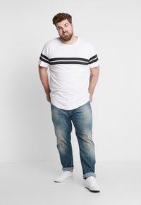 Only & Sons - ONSBIKE LONGY TEE  - T-shirts med print - white - 1