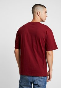 Only & Sons - ONSTIGER TEE - Print T-shirt - cabernet - 2