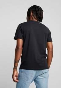 Only & Sons - ONSFRIENDS TEE - T-shirt print - black - 2