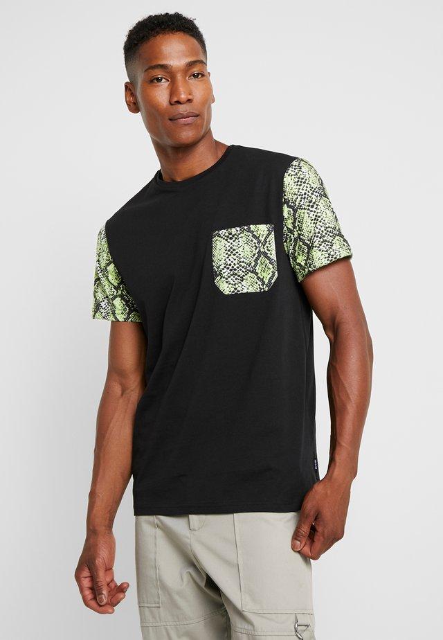 ONSSNAKE TEE - T-shirt con stampa - black