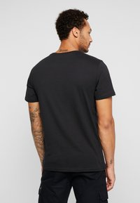 Only & Sons - ONSNASA LICENSE TEE - T-shirt print - black - 2