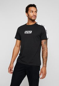 Only & Sons - ONSNASA LICENSE TEE - T-shirt print - black - 0