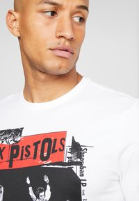 Only & Sons - ONSSEXPISTOLS TEE - T-shirts med print - white - 4