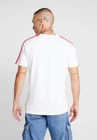 Only & Sons - ONSFRIDAY TEE - T-shirts med print - white - 2