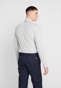Only & Sons - ONSMICHAN SLIM ROLLNECK TEE - Långärmad tröja - light grey melange - 2