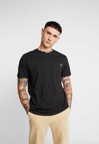 Only & Sons - ONSMOGENS TEE - T-shirt med print - black - 0