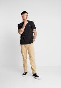 Only & Sons - ONSMOGENS TEE - T-shirt med print - black - 1
