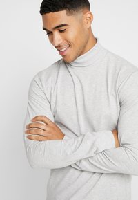 Only & Sons - ONSESSAY ROLLNECK TEE - Long sleeved top - light grey melange - 3