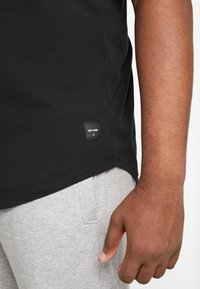 Only & Sons - ONSMATT LONGY TEE 2 PACK - Basic T-shirt - black - 4
