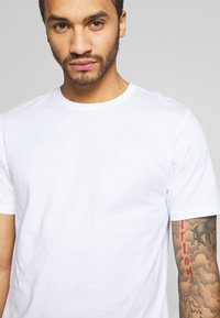Only & Sons - ONSORGANIC - Basic T-shirt - white - 4