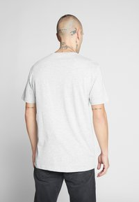 Only & Sons - ONSNORMIE TEE - Print T-shirt - light grey - 2